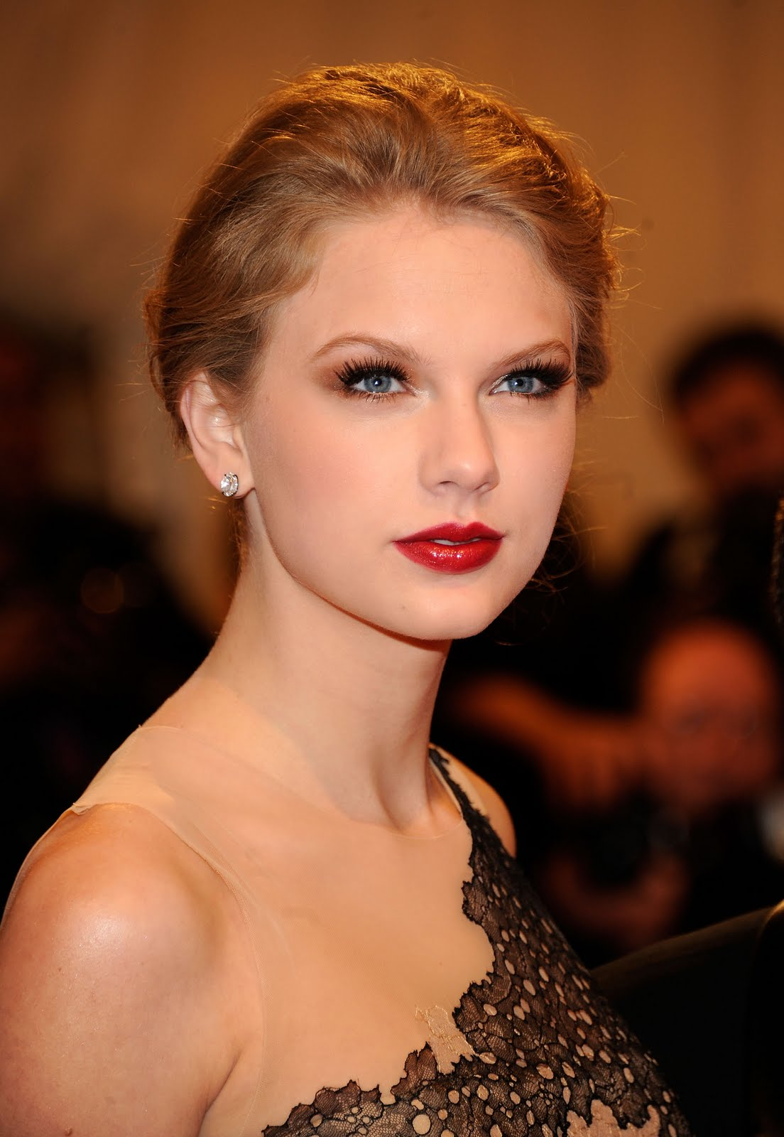 Red Carpet Beauty The Metgala Eversopopular